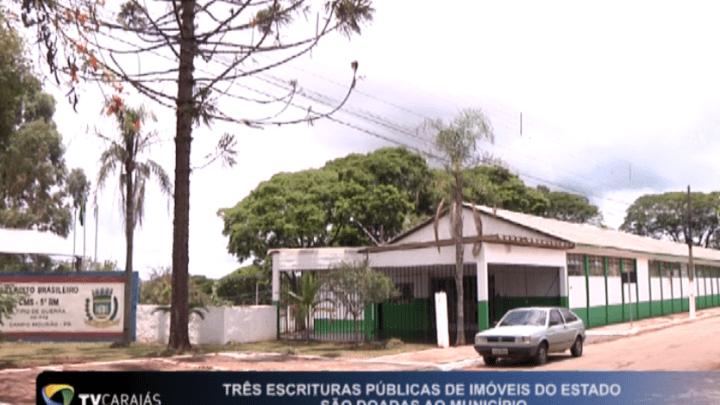 Três escrituras públicas de imóveis do estado são doadas ao município de Campo Mourão