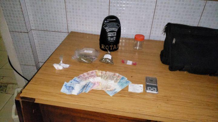 ROTAM faz prisão por tráfico e apreende drogas