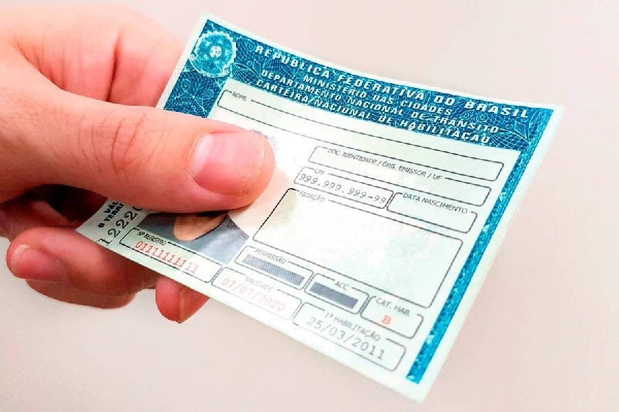Câmara de deputados aumentou de 5 para 10 anos validade da carteira nacional habilitação