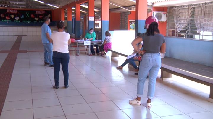Escolas Municipais continuam a entregar atividades e avaliações para alunos realizarem em casa