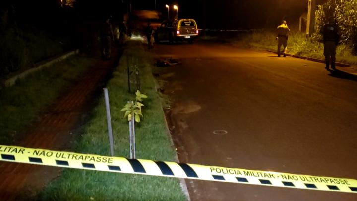 Jovem é morto a tiros no Conjunto Fortunato Perdoncini em Campo Mourão