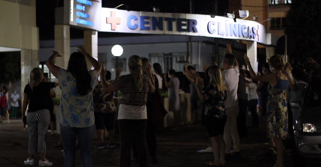 Igreja faz a diferença na pandemia e fiéis mostram amor ao próximo orando em hospitais