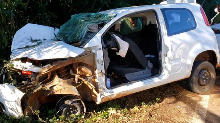 Grave acidente na PR-487 deixa mãe e filha feridas