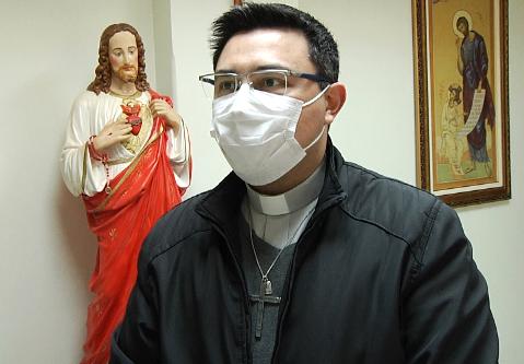 """""""Tristeza para todos nós"""", comenta Padre Rodrigo sobre morte de Valdomiro Rosa"""