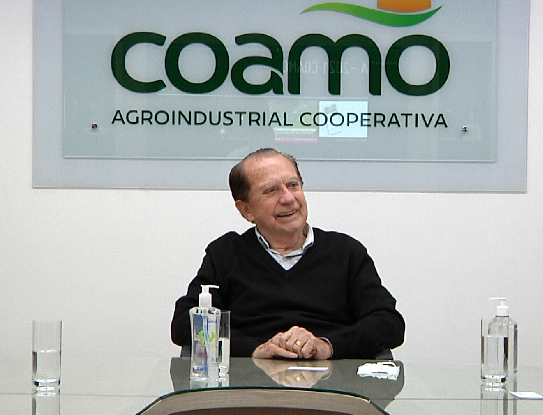 Galassini recebe homenagem da Associação dos Engenheiros Agrônomos de São Paulo