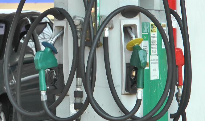 Procon acompanha pesquisa de preços de combustíveis