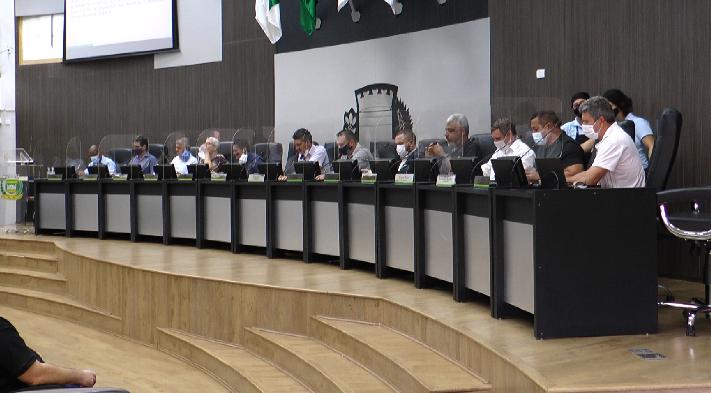 Sessões da Câmara mudam de horário e projeto de operação de crédito é aprovado