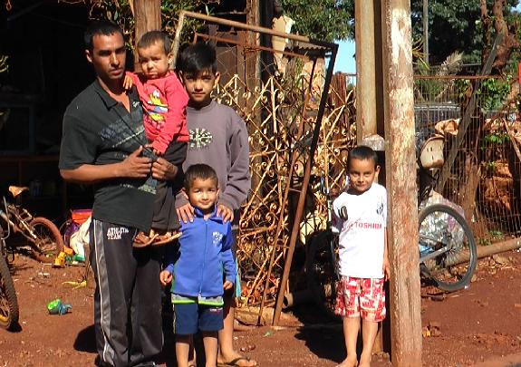 Viúvo da mulher atropelada na vila Guarujá pede quebra-molas nas ruas